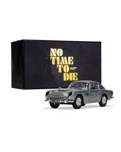 """James Bond Aston Martin DB5 """"No Time to Die"""" Corgi 1:36"""