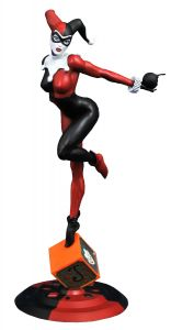 Harley Quinn PVC Statue | DC Gallery Classic